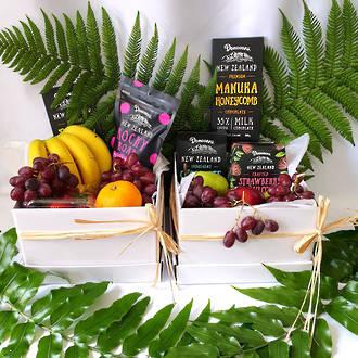 New Zealand Chocolates & Fresh Seasonal Fruit