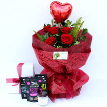 6 Luxury Red Roses with Gifts